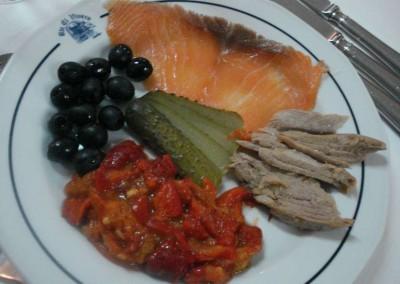 asadillo de pimientos con salmón y ventresca