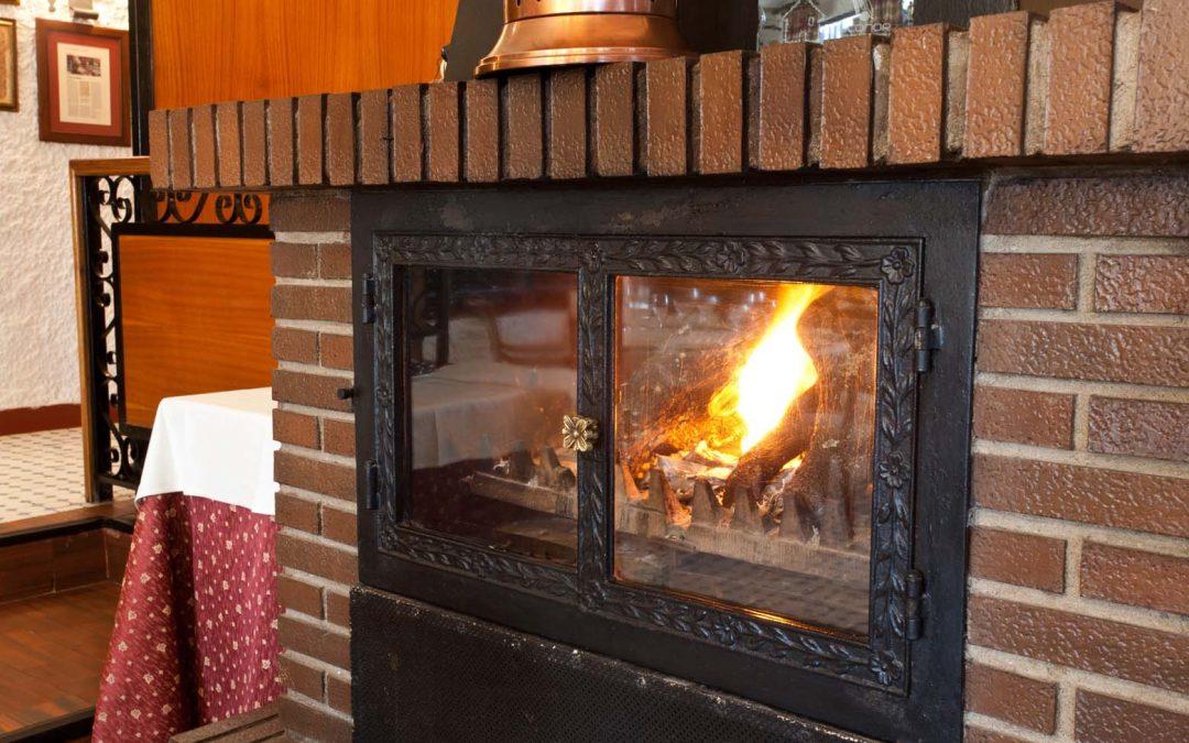 Disfruta de nuestra chimenea, vuelve el frio!!!! Menus especiales